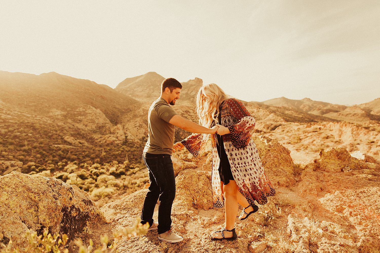 superstition-mountains-arizona-engagement-session_1850.jpg