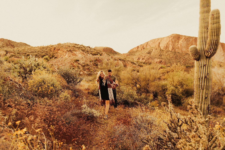 superstition-mountains-arizona-engagement-session_1875.jpg