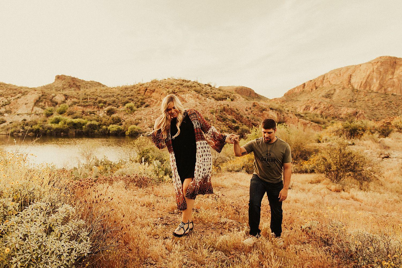 superstition-mountains-arizona-engagement-session_1886.jpg