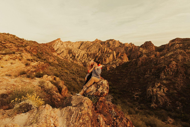 superstition-mountains-arizona-engagement-session_1899.jpg