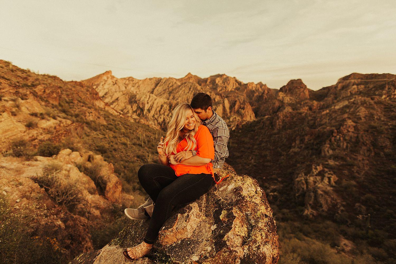 superstition-mountains-arizona-engagement-session_1901.jpg