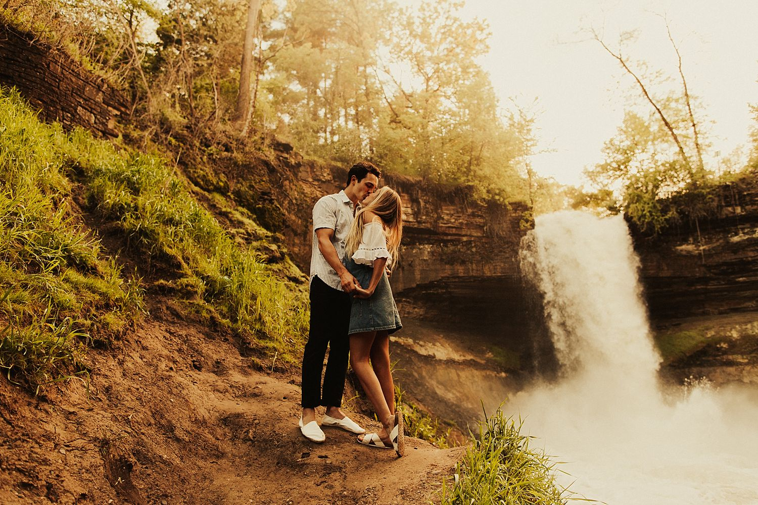 minnehaha-falls-minnesota-couples-shoot_2478.jpg
