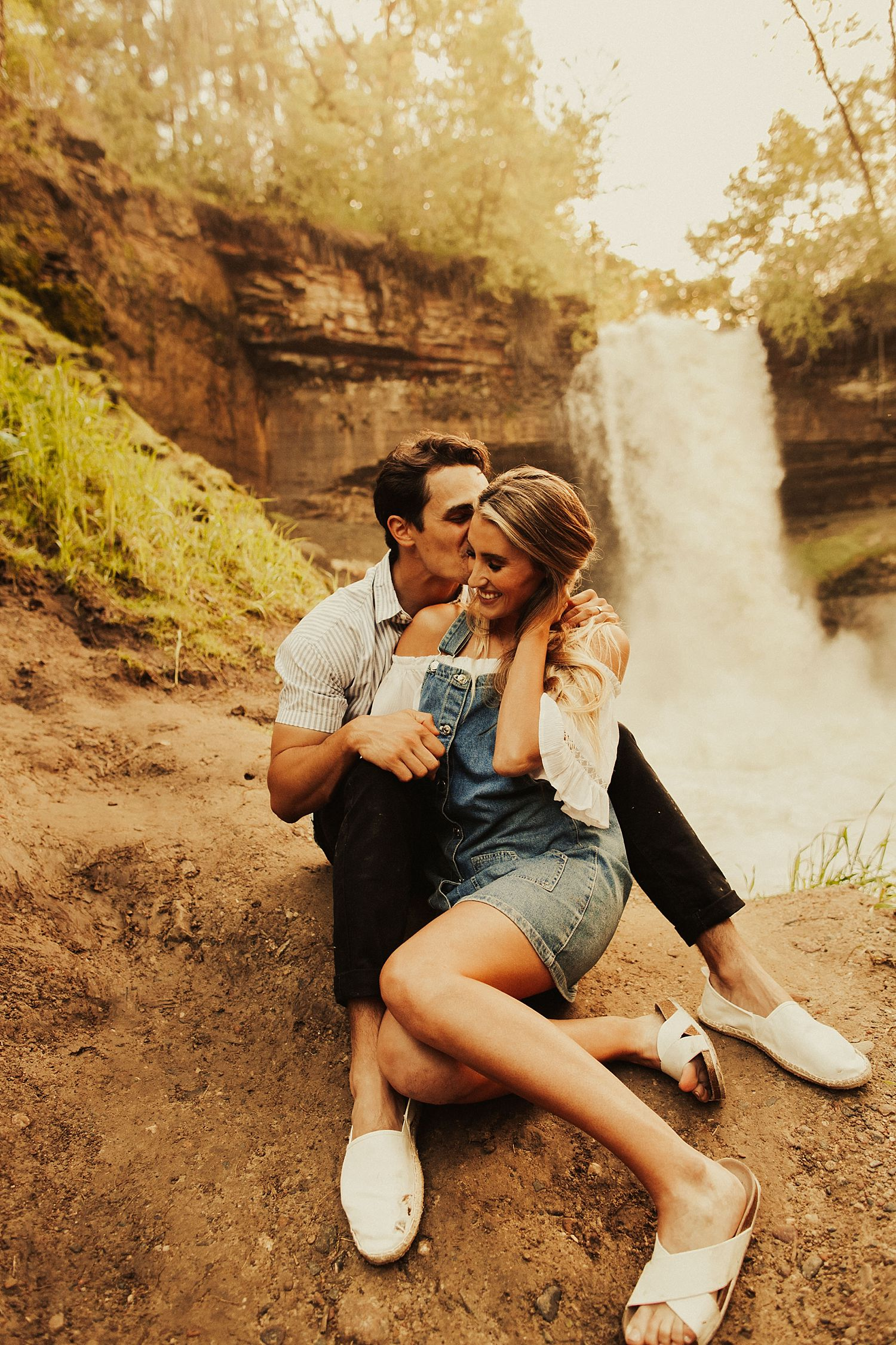 minnehaha-falls-minnesota-couples-shoot_2482.jpg
