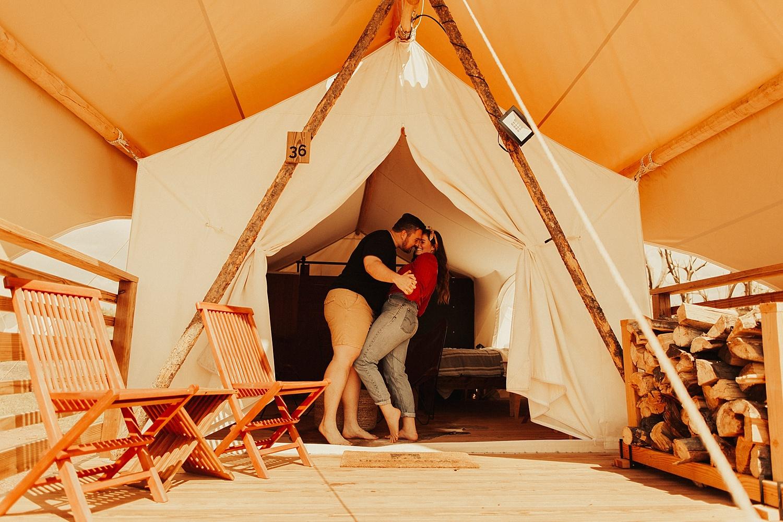 under-canvas-zion-couples-photos_0347.jpg
