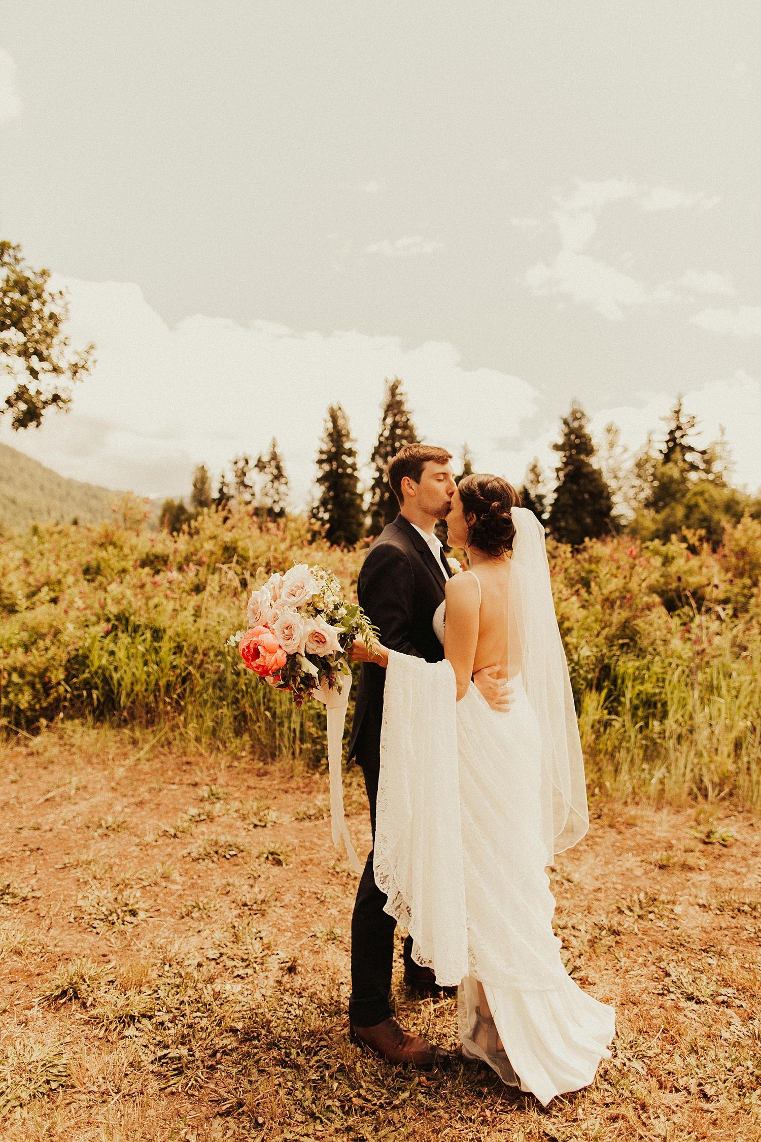 mt-hood-oregon-wedding_3471.jpg