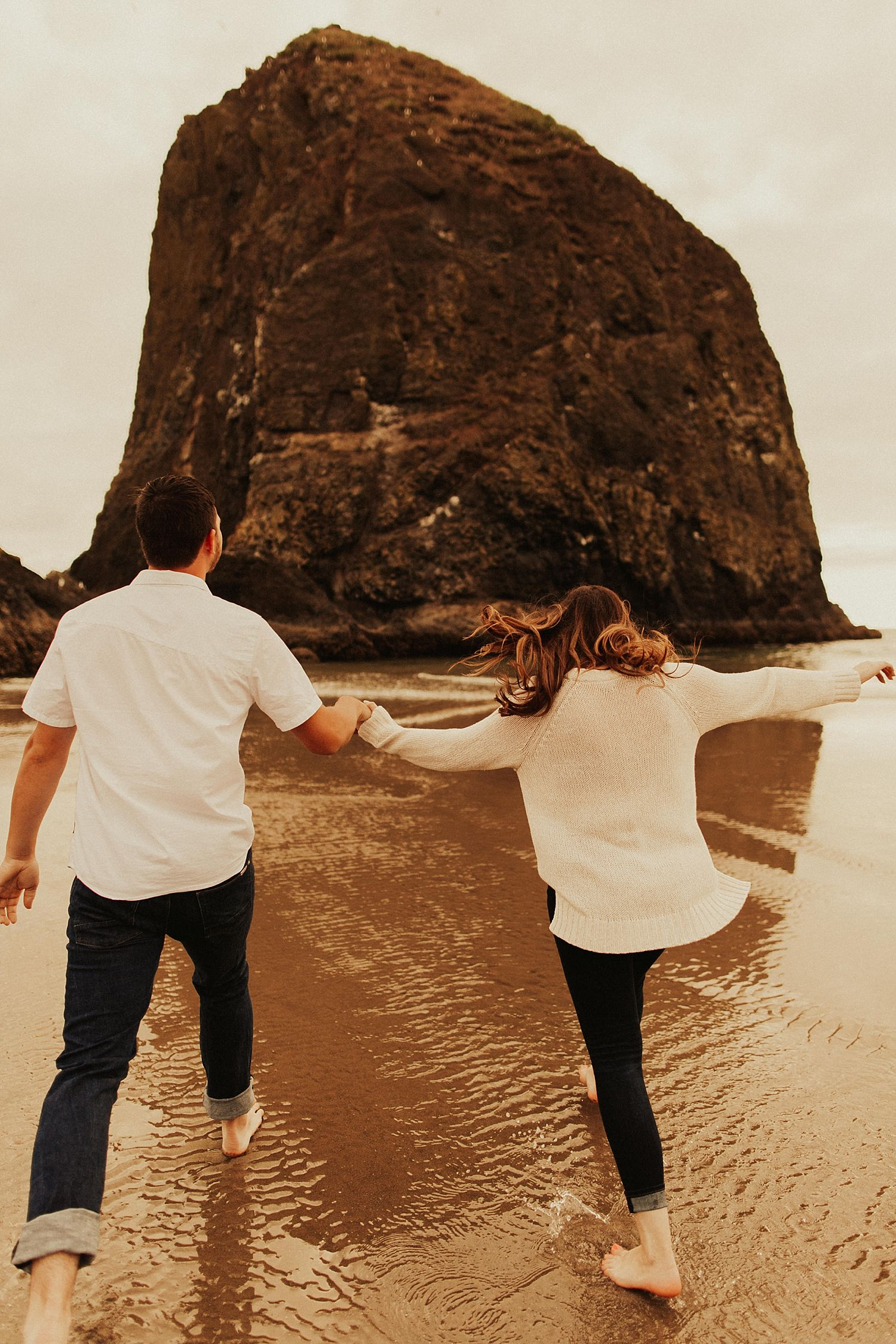 cannon-beach-couples-session_3665.jpg