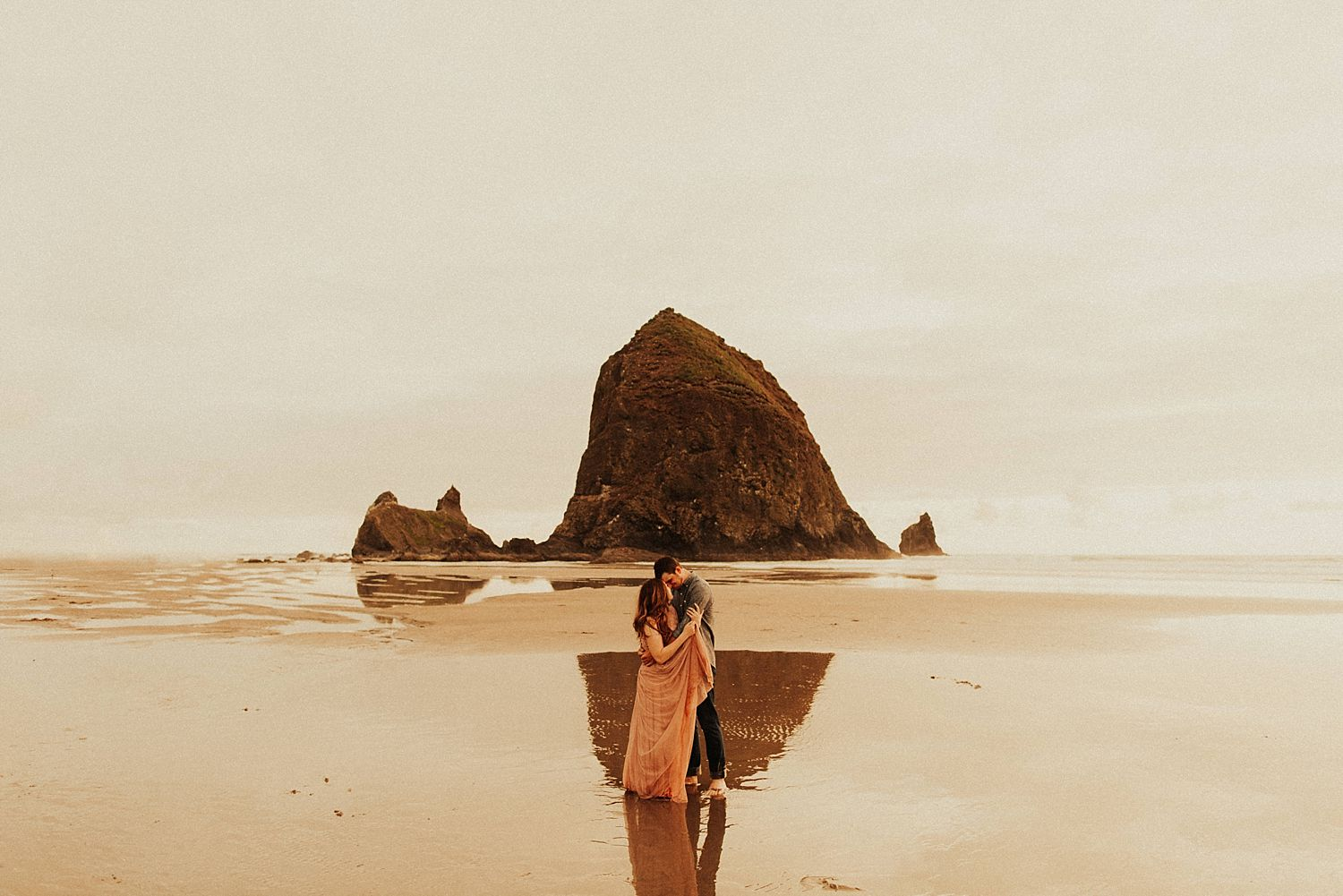 cannon-beach-couples-session_3701.jpg