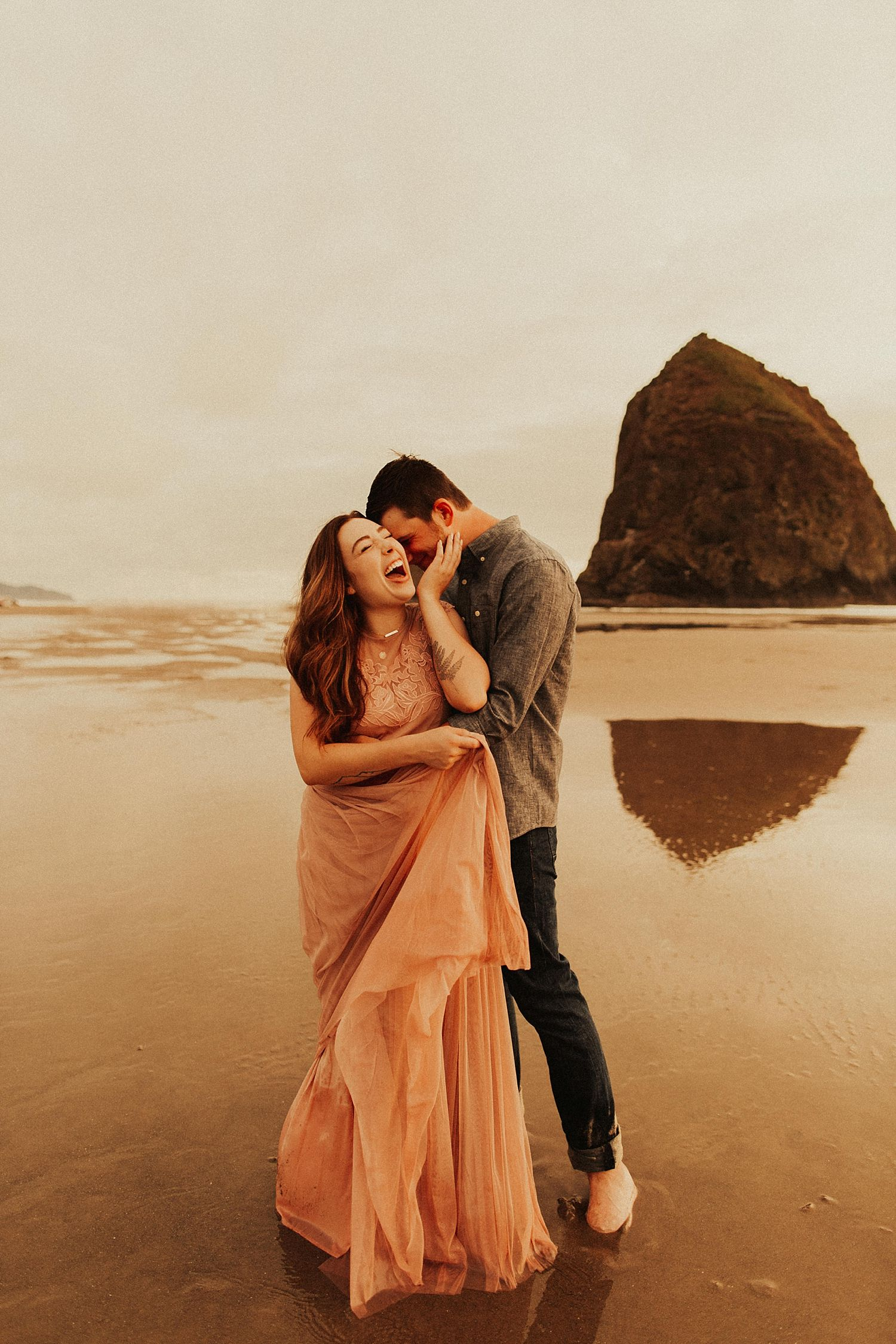 cannon-beach-couples-session_3699.jpg