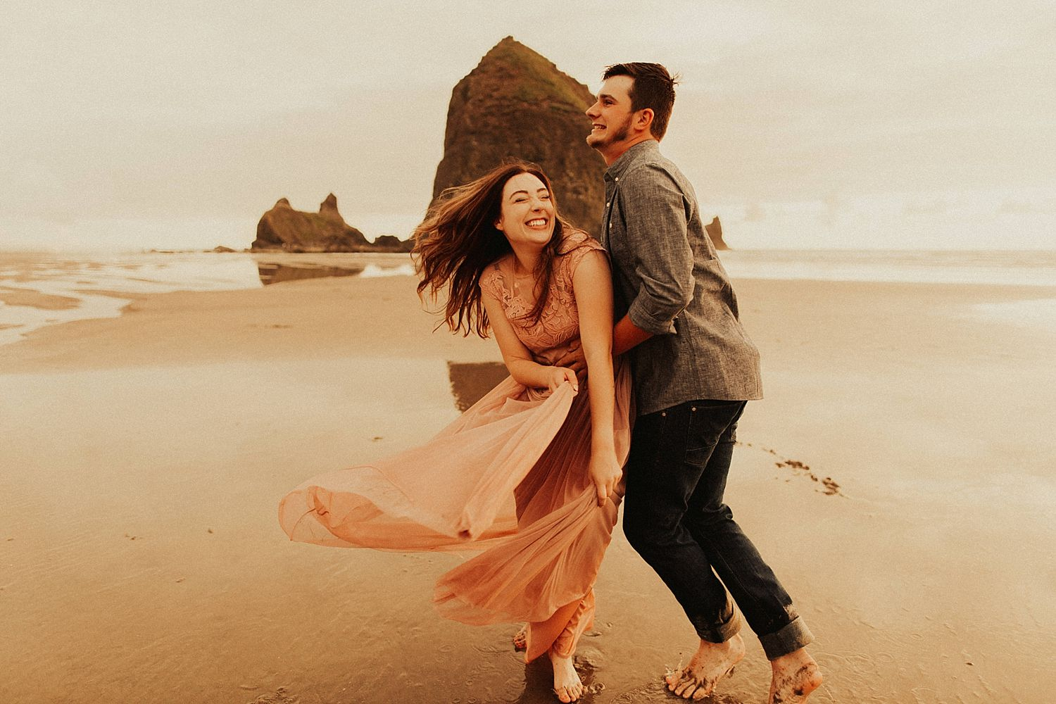 cannon-beach-couples-session_3702.jpg