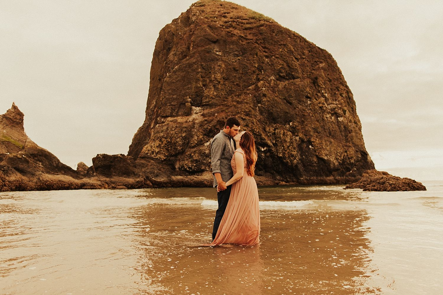 cannon-beach-couples-session_3710.jpg