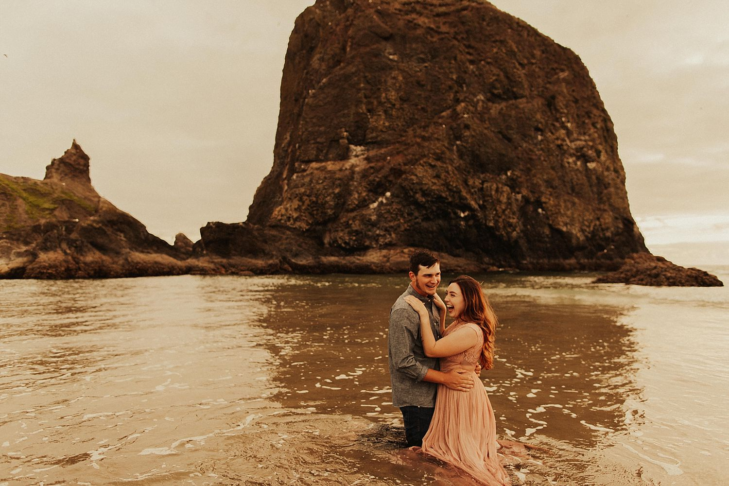cannon-beach-couples-session_3711.jpg