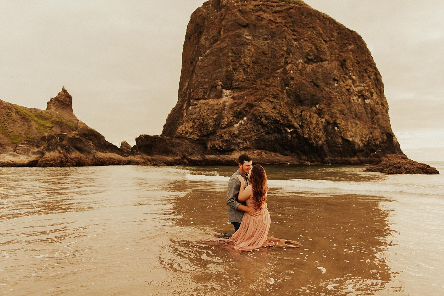 cannon-beach-couples-session_3712.jpg