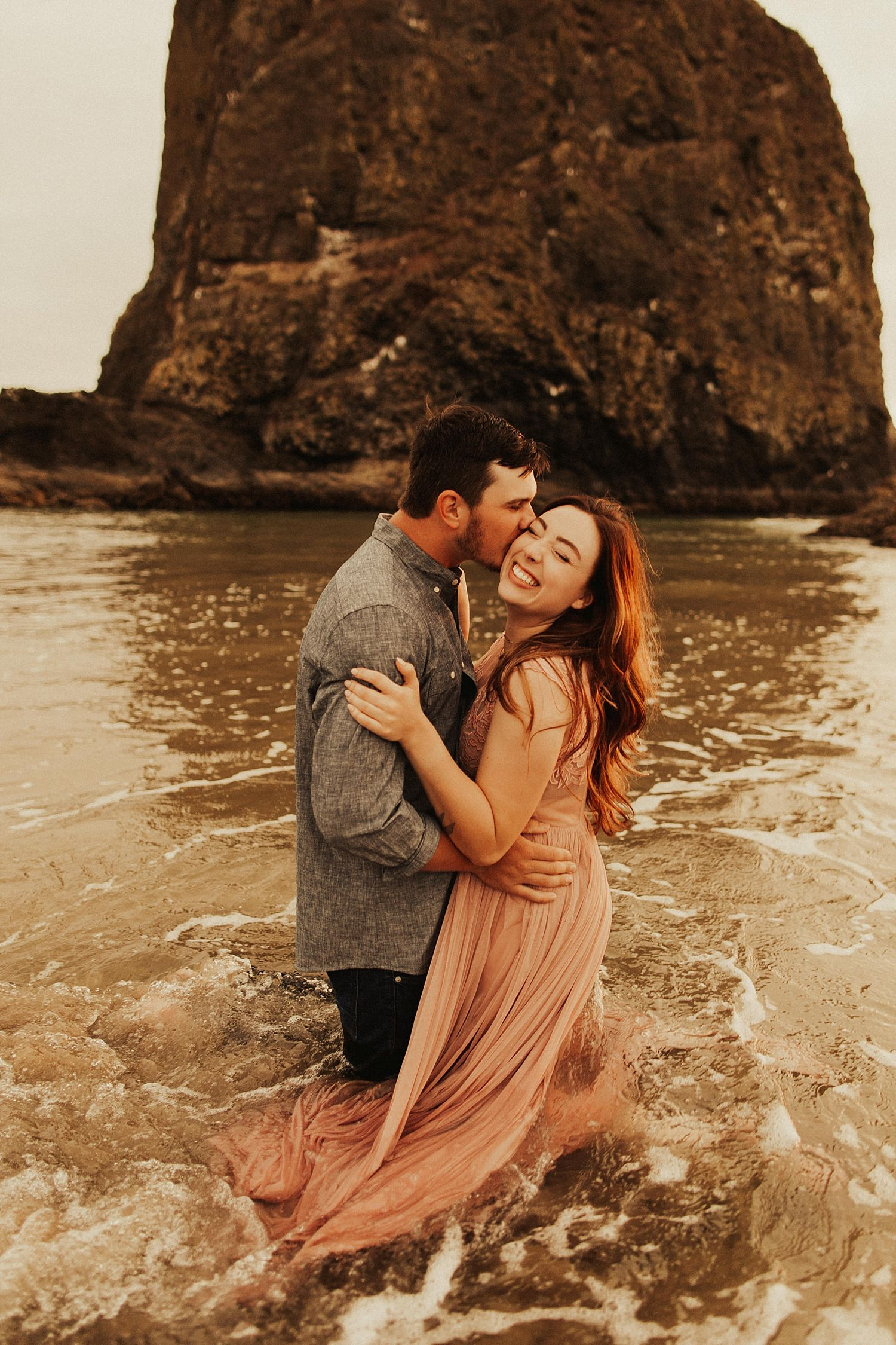 cannon-beach-couples-session_3714.jpg