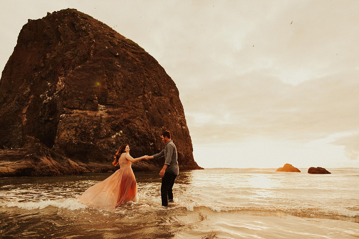 cannon-beach-couples-session_3722.jpg