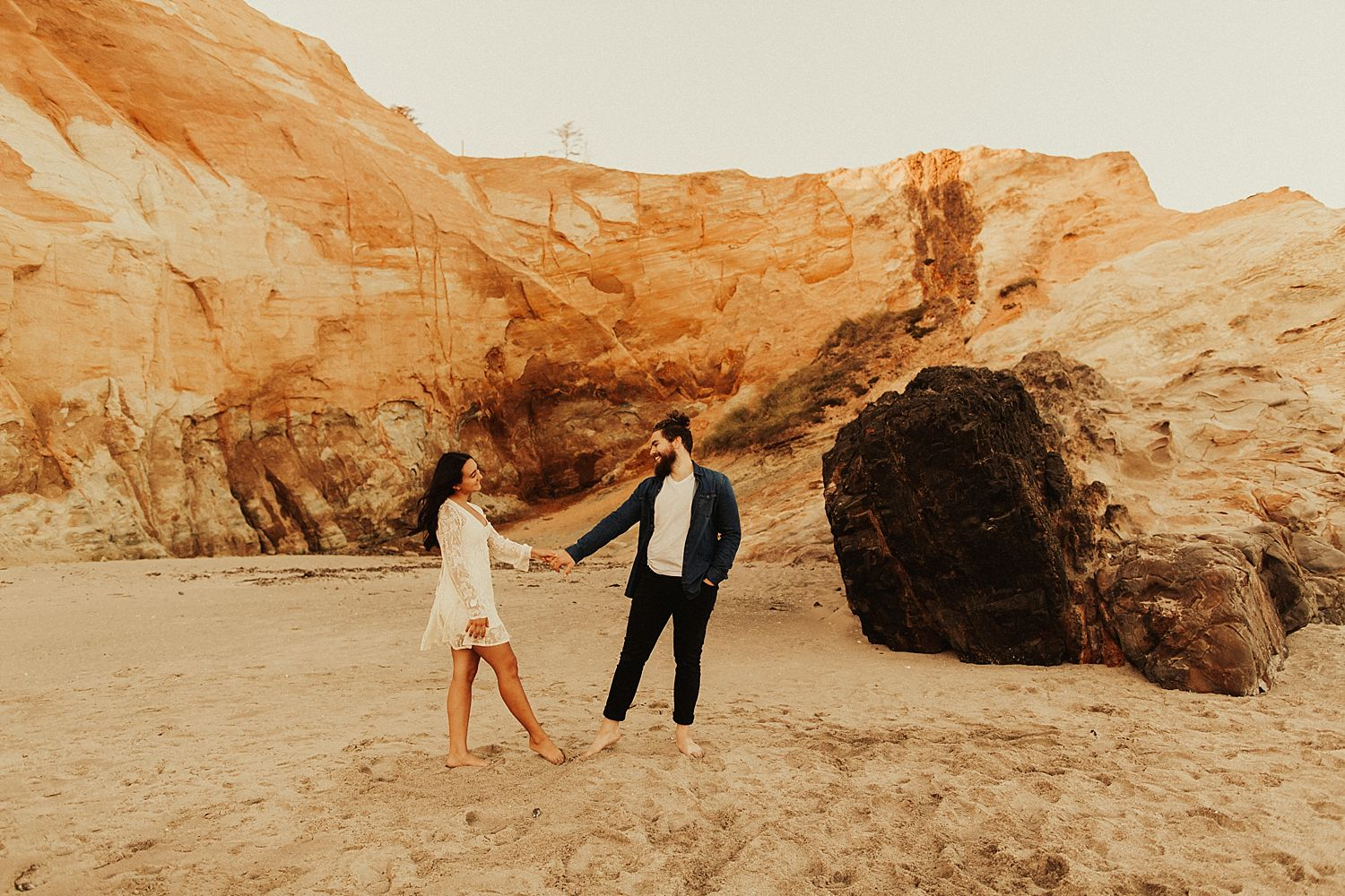 cape-kiwanda-engagement-photos_3884.jpg