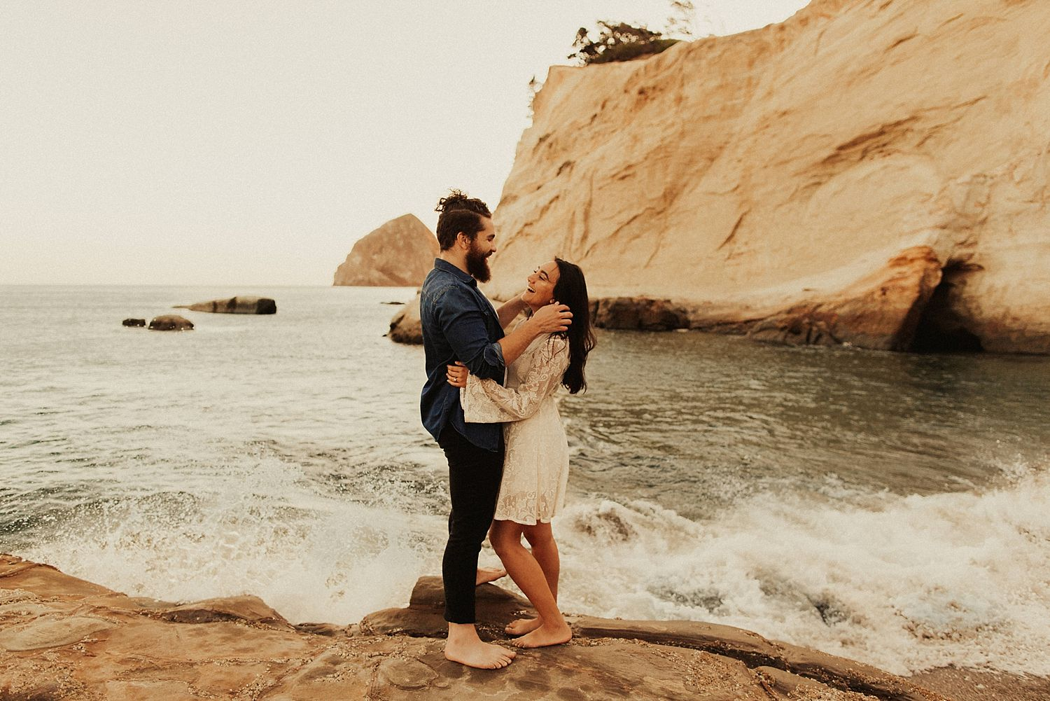 cape-kiwanda-engagement-photos_3888.jpg