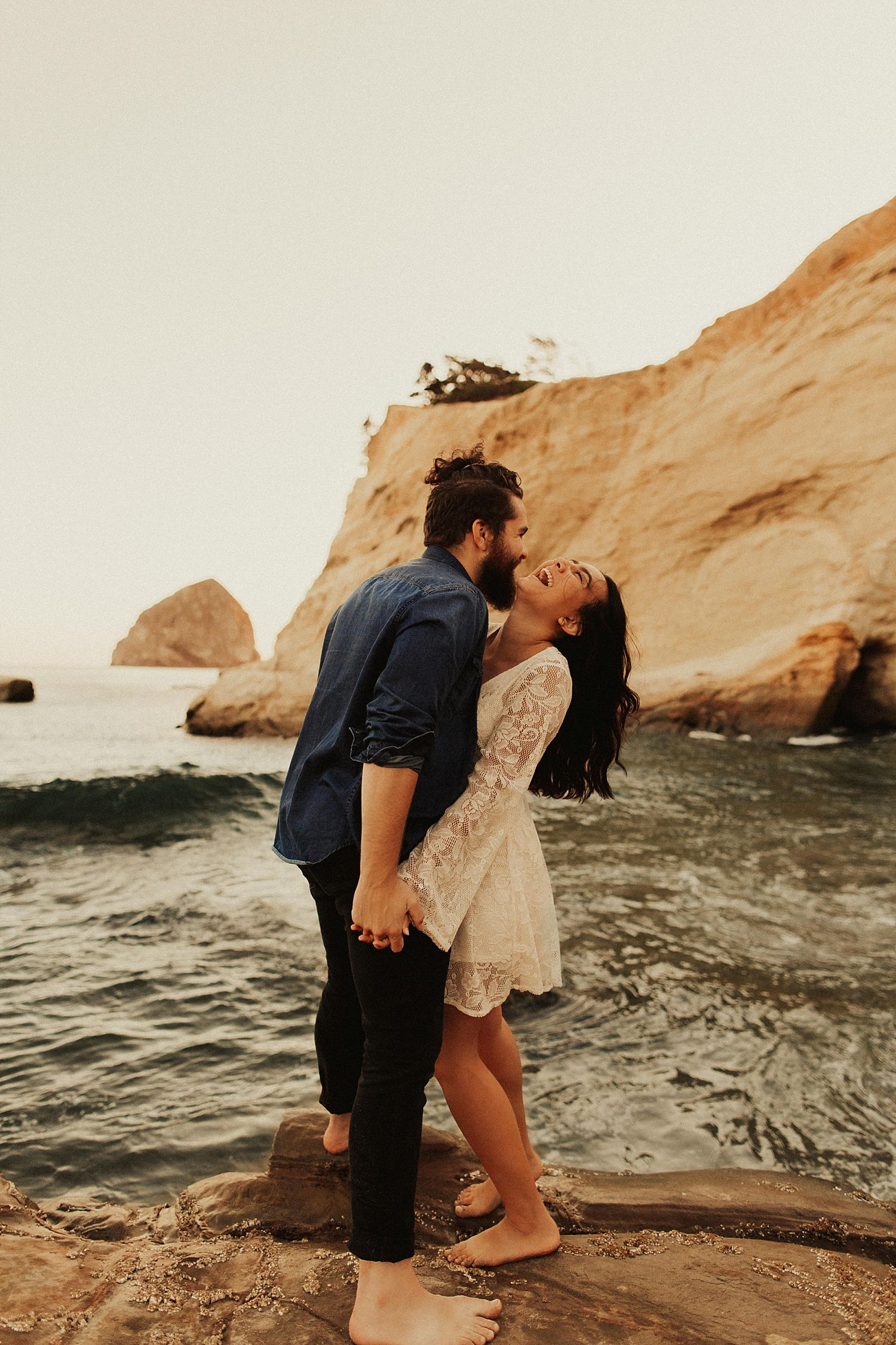 cape-kiwanda-engagement-photos_3890.jpg