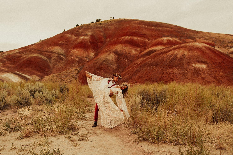 painted-hills-elopement_4051.jpg