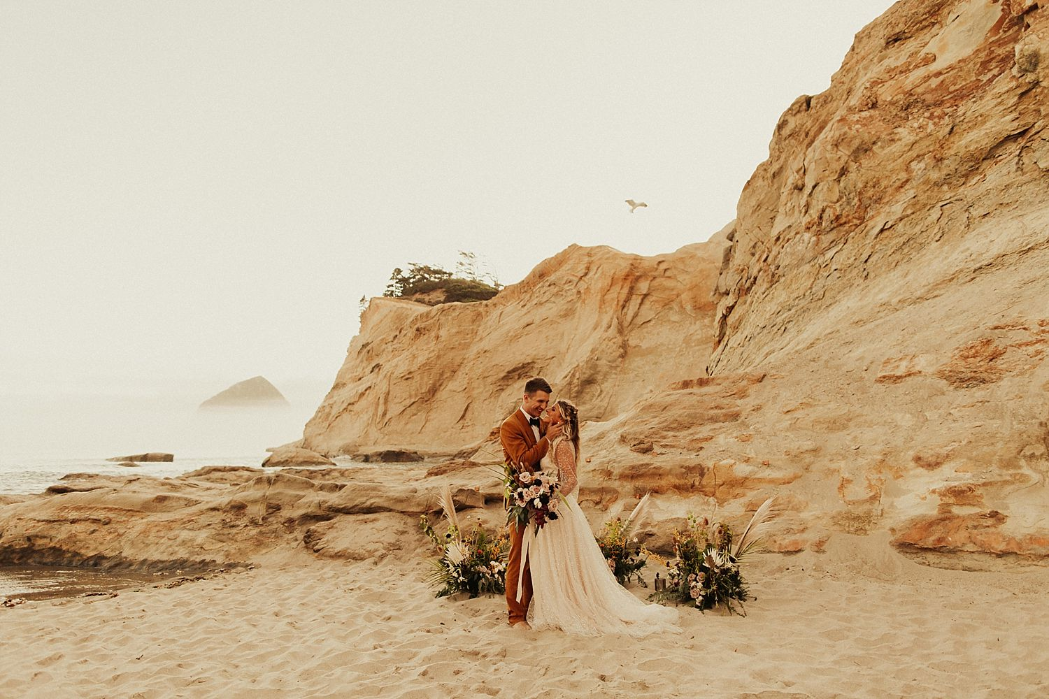 oregon-coast-beach-elopement_4114.jpg