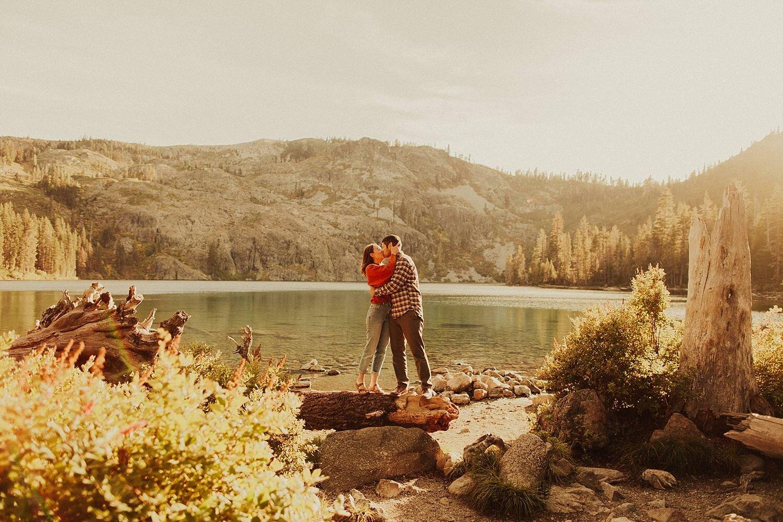 castle-lake-mount-shasta-engagement-photos_4352.jpg