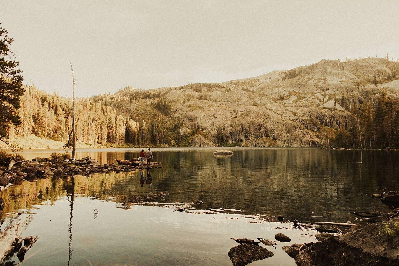 castle-lake-mount-shasta-engagement-photos_4393.jpg