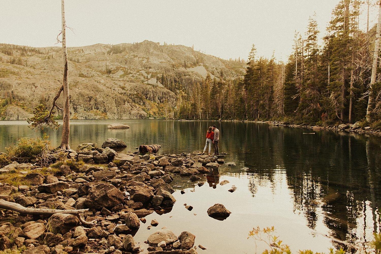 castle-lake-mount-shasta-engagement-photos_4396.jpg