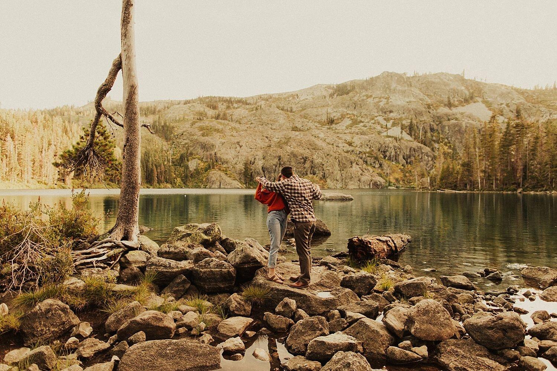 castle-lake-mount-shasta-engagement-photos_4397.jpg