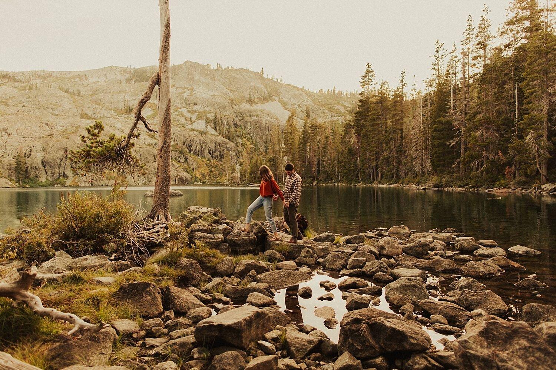 castle-lake-mount-shasta-engagement-photos_4403.jpg