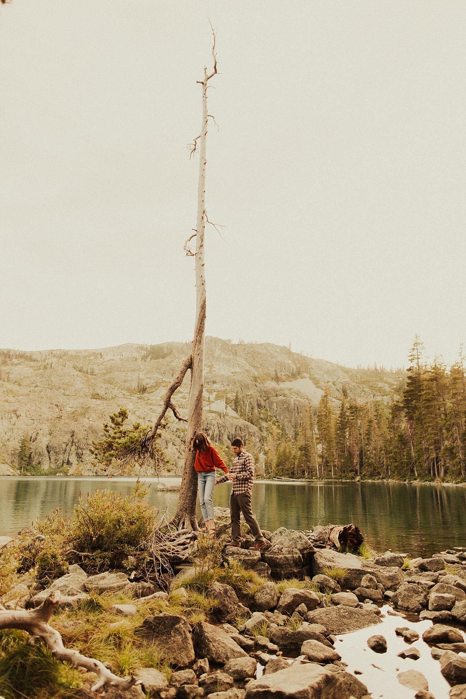 castle-lake-mount-shasta-engagement-photos_4404.jpg