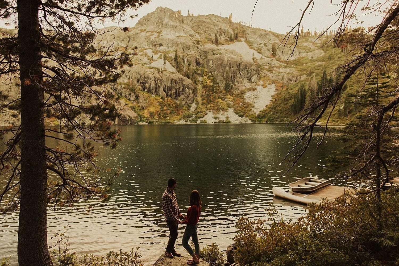 castle-lake-mount-shasta-engagement-photos_4407.jpg