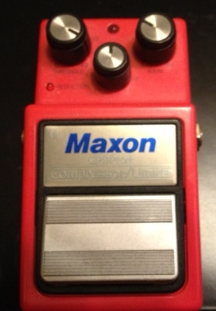 Maxon CP9 Pro+ Compressor. Tons of headroom on this little compressor so it doesn't distort if I choose to dig in a little.