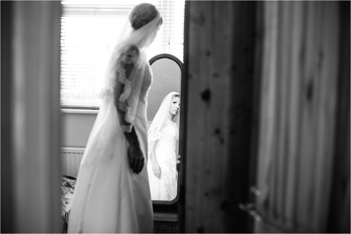 Notley Tythe Barn Wedding Photographer (11).jpg