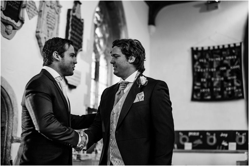 Notley thythe barn Buckinghamshire wedding photographer (6).jpg