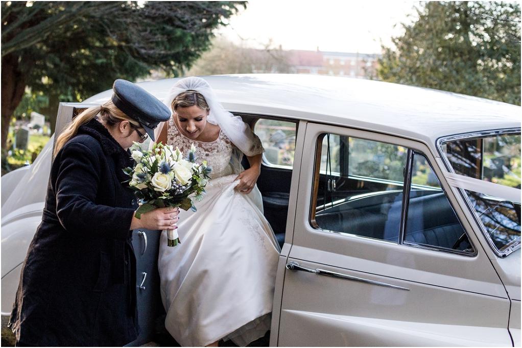 Notley thythe barn Buckinghamshire wedding photographer (5).jpg