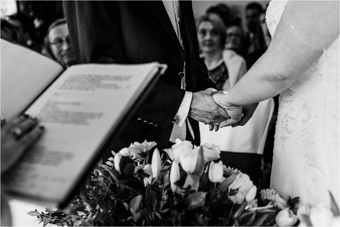 Berkshire Wedding photographer (8).jpg