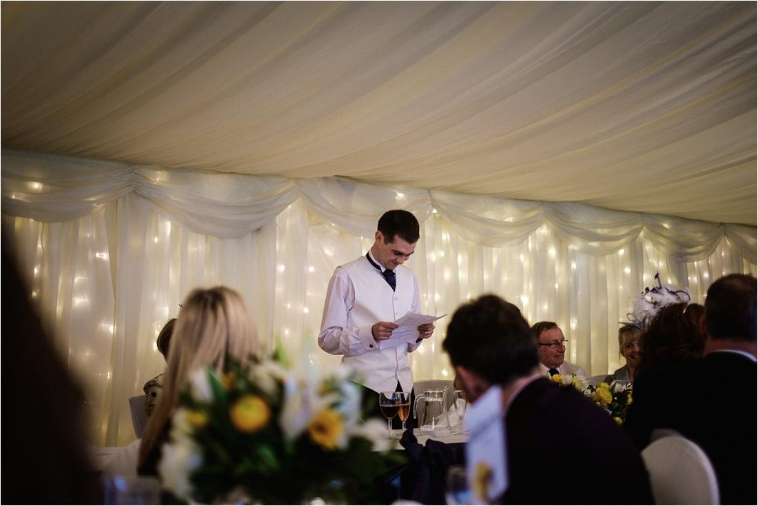 Berkshire Wedding photographer (11).jpg