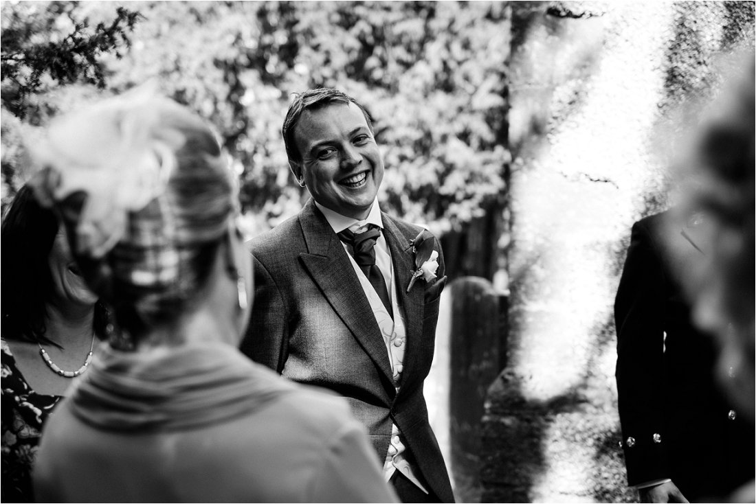 Wedding photographer in Berkshire - Tracey & Sean (19).jpg