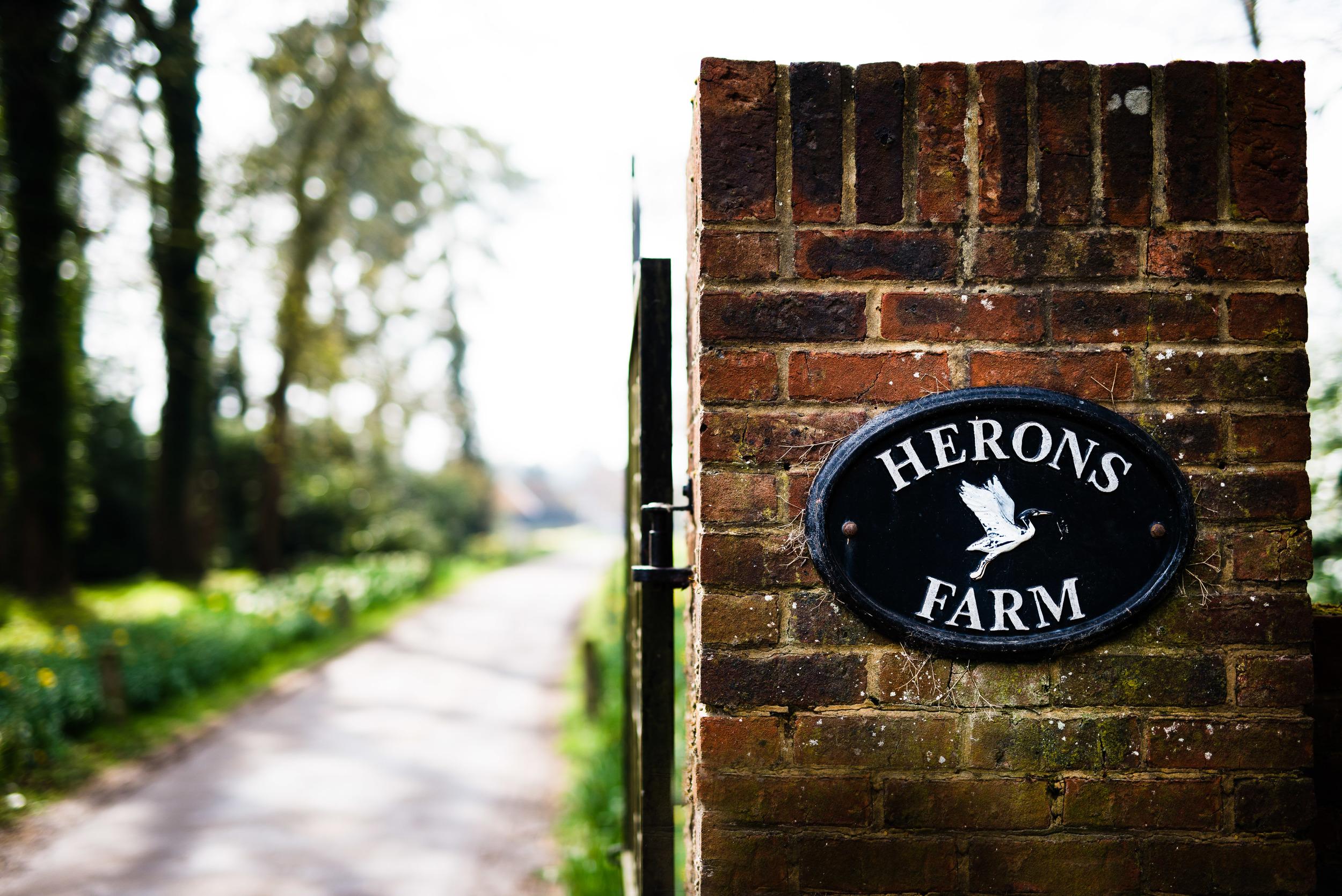 Herons Farm Wedding Photographer (3).jpg