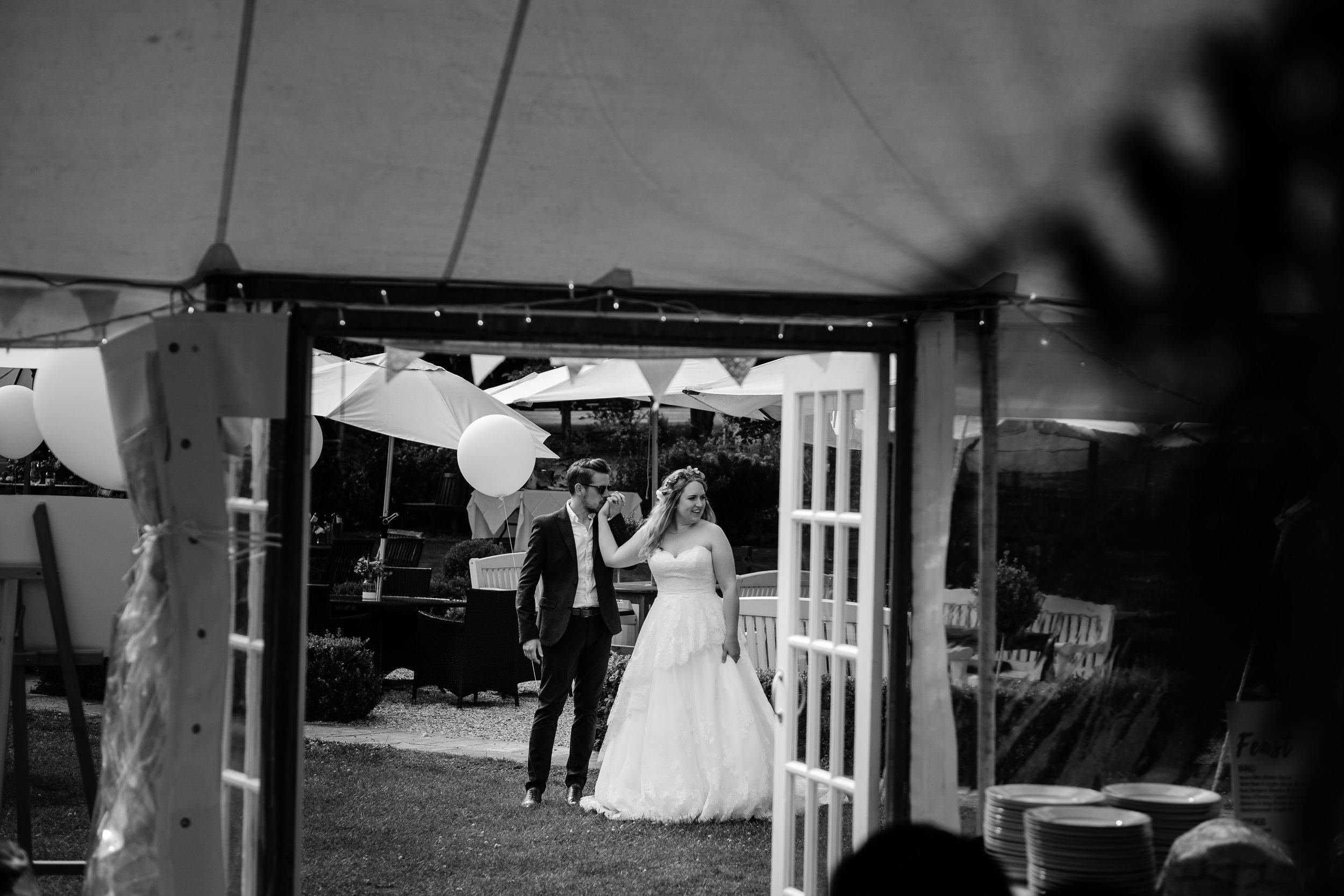 Cotswolds Wedding Photographer (300).jpg
