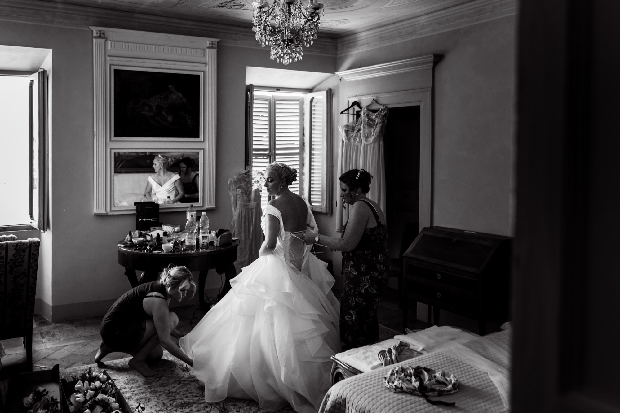 destination wedding photographer Italy-18.jpg