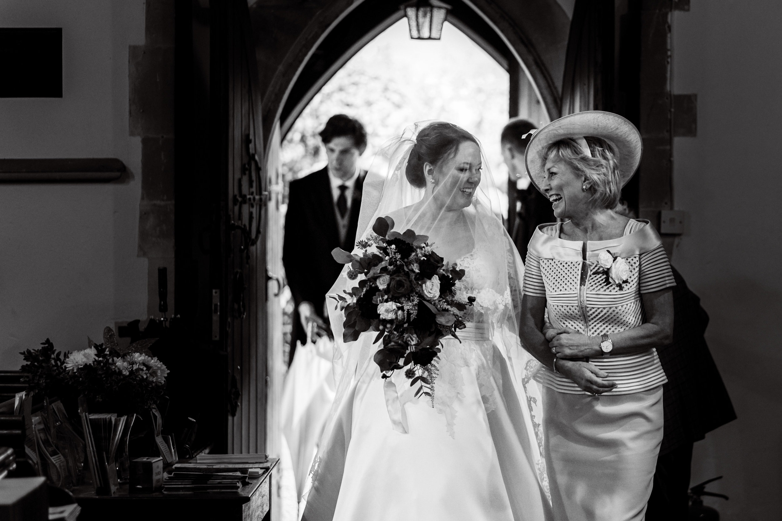 Bisham Abbey wedding photography-12.jpg
