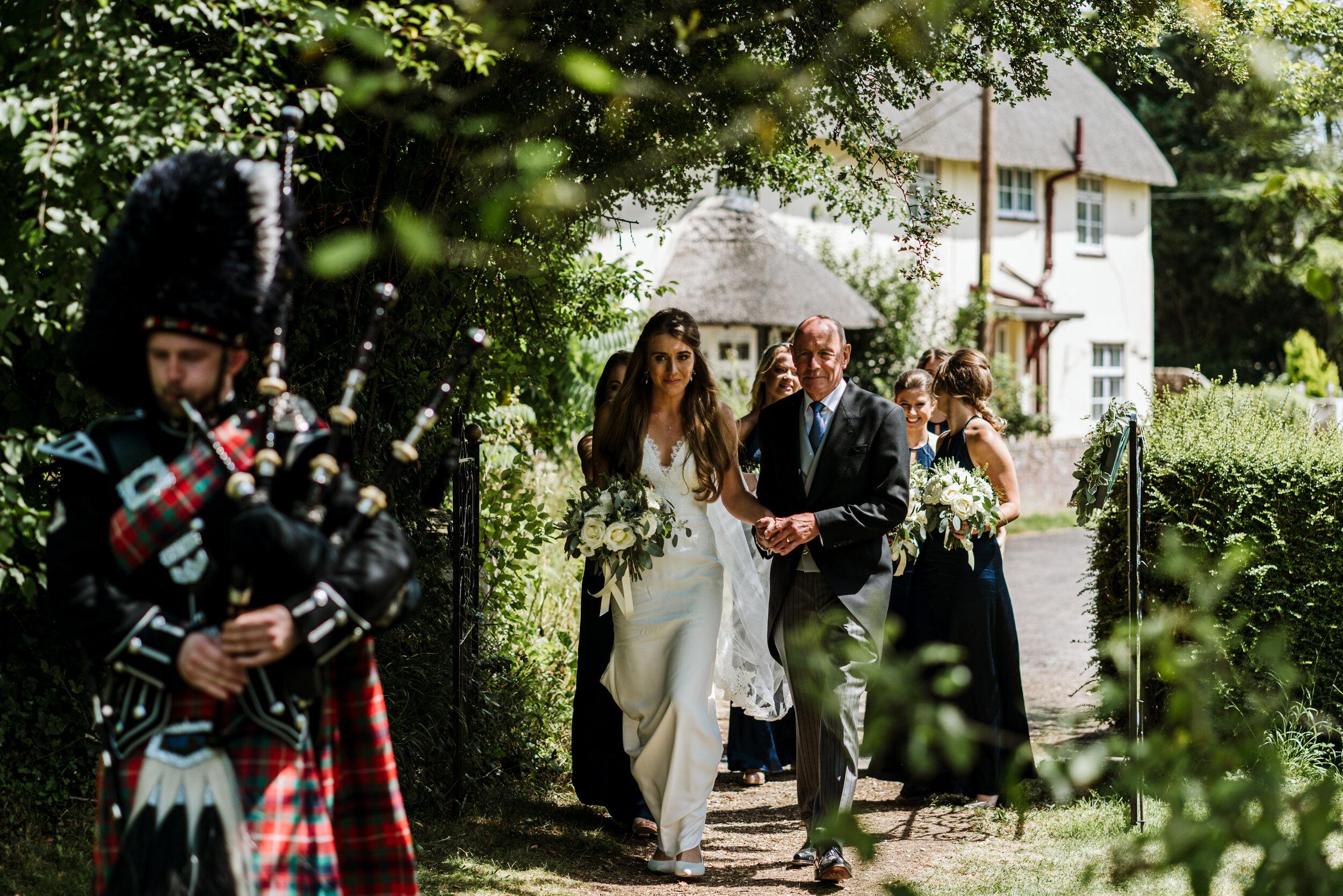 10 Castle Street Wedding Photography (69).jpg