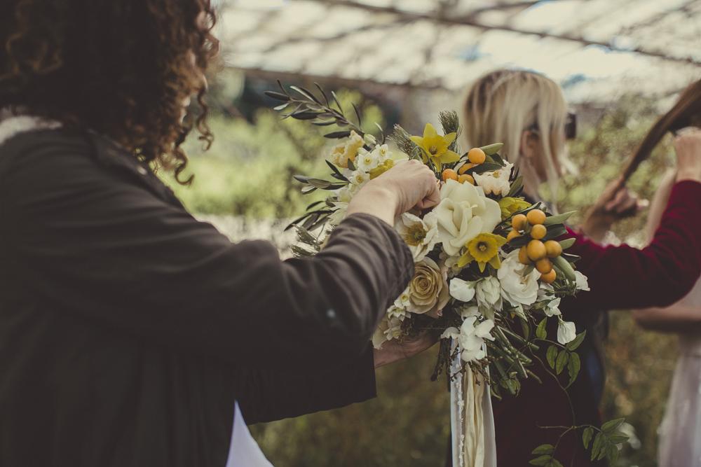 Jardin arranging bouquets.