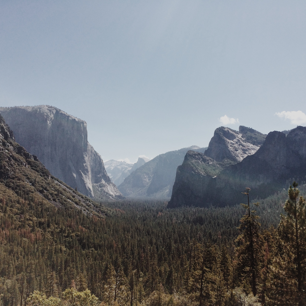 We eagerly woke up on our first morning and headed straight to Tunnel View lookout.