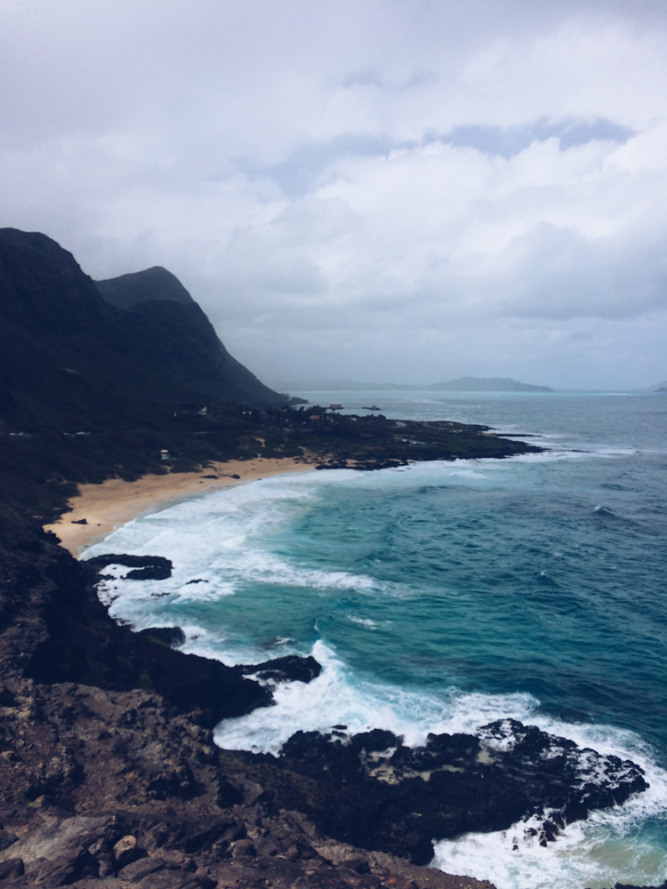 Roadtripping around the East side of Oahu island.
