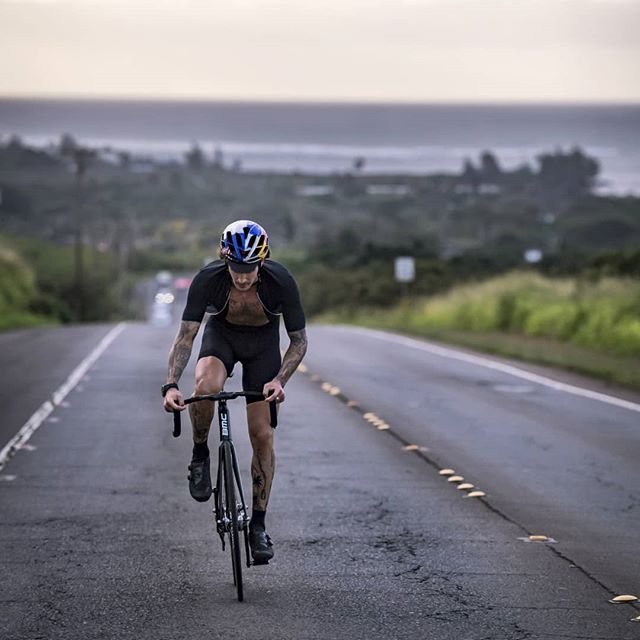North Shore, Oahu, Hawaii. Making efforts in paradise in order to shape up for an upcoming project.  More to come...🏄♂️🏝 📸@1_in_the_gutter . #cycling #fixedgear #trackbike #bike #ride #training #hawaii #northshore #hawaiilife #instagood #tattoo