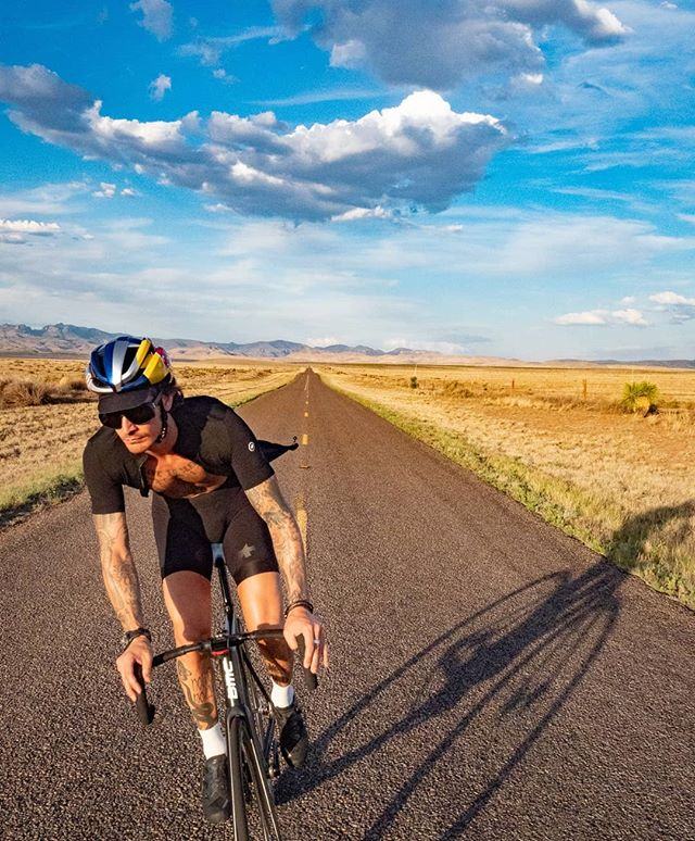"Marfa TX. - Long straight roads and a wide horizon. A place where a vibrant art scene and the cowboy culture meet. If you have the chance, pay a visit. 35 miles outside of town is a ""Prada Store"" but no water - Modern basic needs redifined. . (swipe left) . . 📷 @pthepaul . . #trackbike #fixedgear #cycling #ride #marfa #cowboy #art #donaldjudd #outsideisfree #nature #prada #texas"