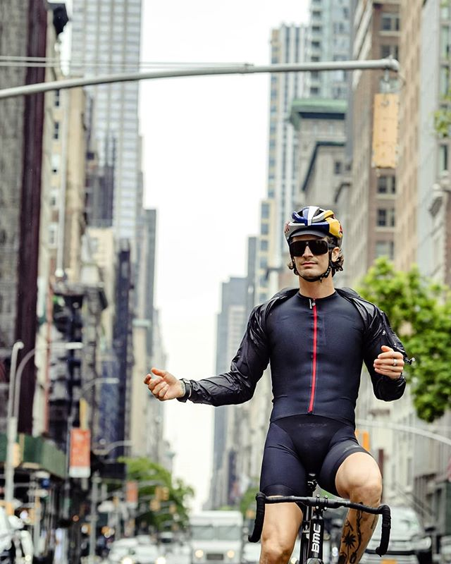 I met up with Simon @plant_proof in New York to record an episode for his Plant Proof Podcast. We talked about life, music and circumstances leading to knowledge. You can tune in via link in my bio. . . . . 📷 @1_in_the_gutter . . . #trackbike #fixedgear #newyork #ride #bike #nature #outsideisfree #cycling #instagood #podcast #plantbased