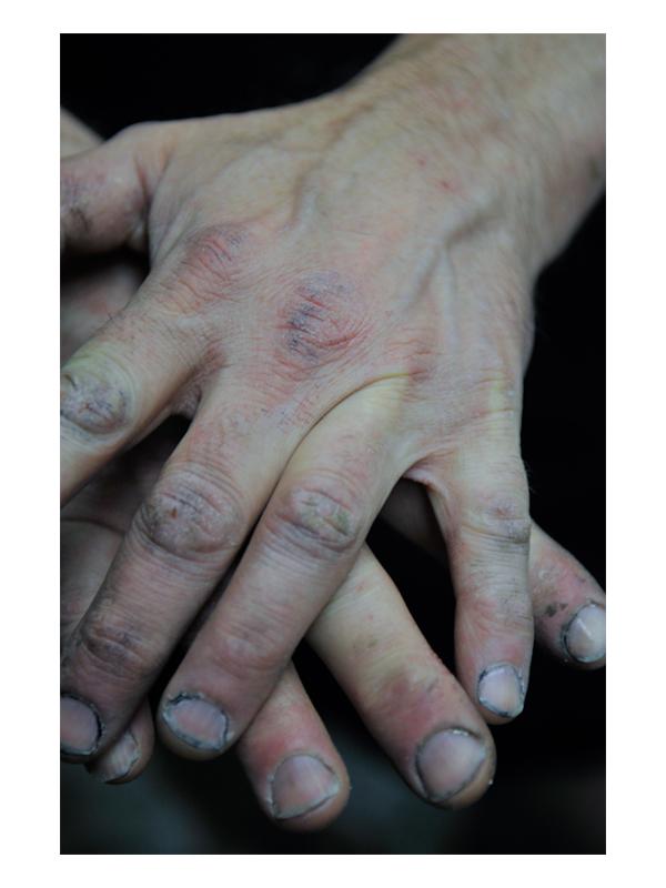 PEOPLE_VERT.JPEG_0011_Larry's Hands.jpg
