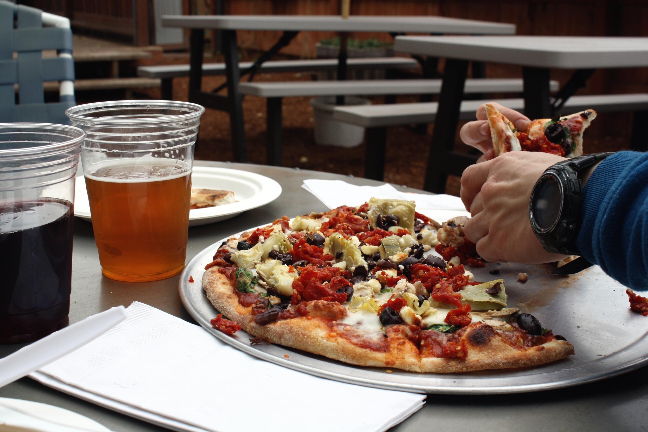 Tumalo-Pizza_heatherbyhand.jpg